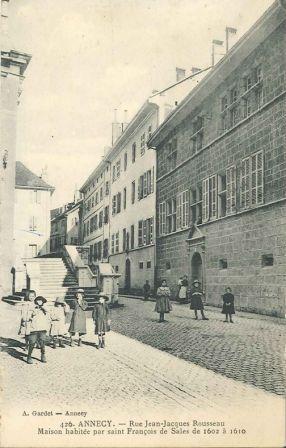 Annecy. Rue Jean-Jacques Rousseau